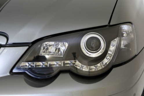 Falcon_BA_XR6_Black_Headlights